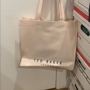 Ted Baker London Bags - Ted Baker Icon large 3D tote